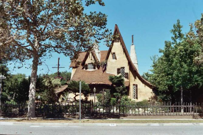 Spadena House (Witch's House)