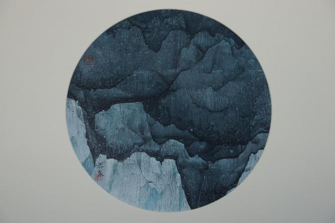 Mansheng Wang, Snowing Night, 2007, Ink and Colour on Cardboard, 32.4 cm, 2007. © Courtesy of FitzGerald Fine Arts