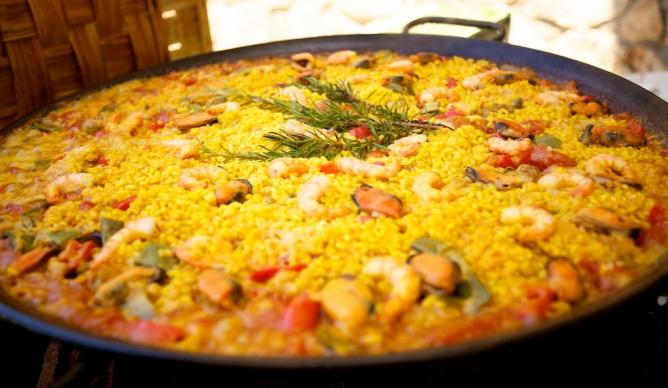 where to find the best paella in barcelona spain. Black Bedroom Furniture Sets. Home Design Ideas