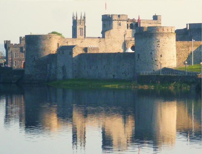 King John's Castle © Liam Moloney/Flickr