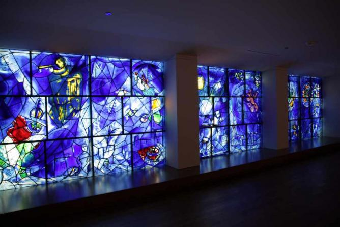 America Windows by Marc Chagall | © Mookiefl/Flickr