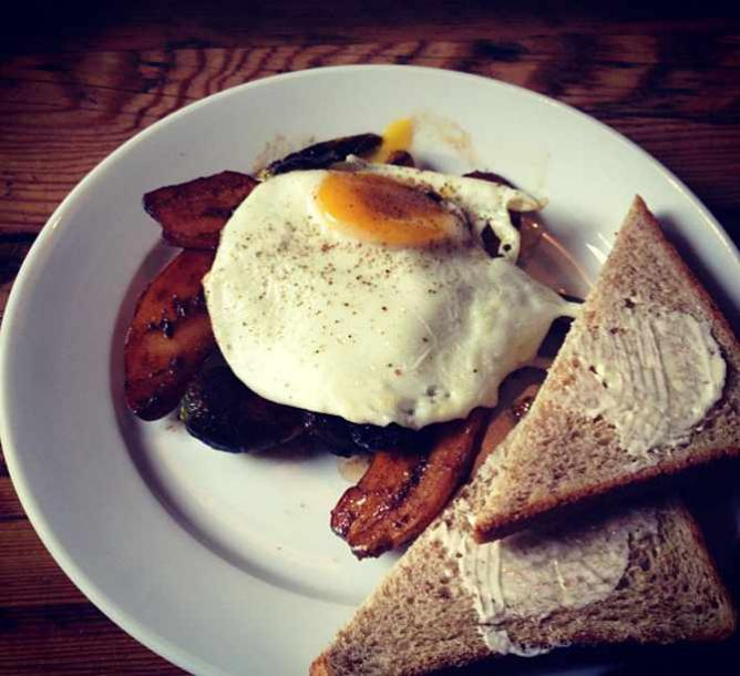 Eggs and roasted vegetables at The Queens Kickshaw