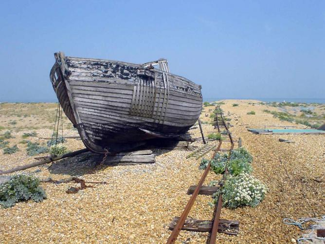 Boats moored in Dungeness |© diamond geezer/ Flickr