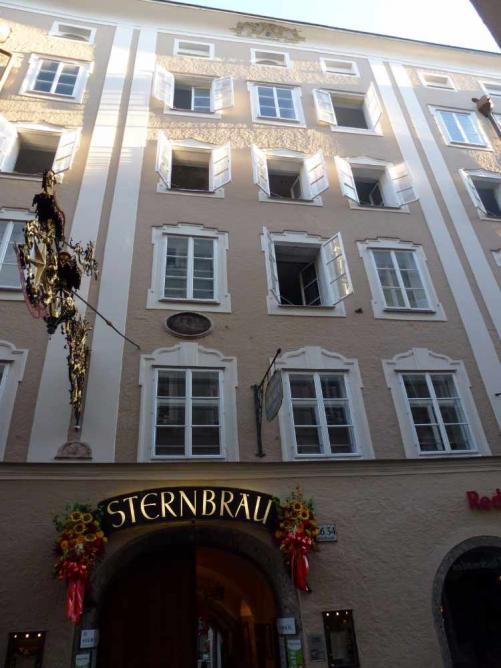 Entrance to Sternbräu © Snotty/WikiCommons
