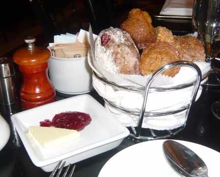 the 10 best brunch spots in hell s kitchen new york city. Black Bedroom Furniture Sets. Home Design Ideas