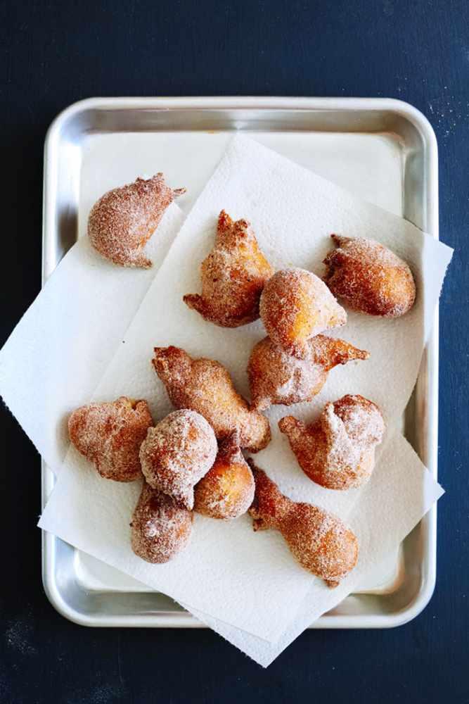 Cinnamon Chile de Arbol Donut Holes | Courtesy of Brandon Matzek/Kitchen Konfidence