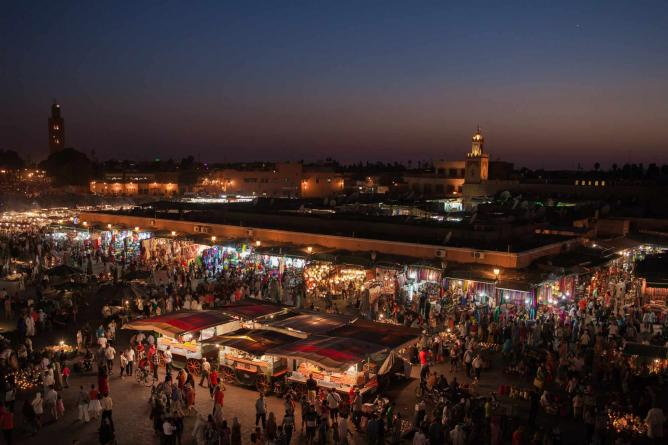 Jemaa el-Fna Square by Night |© SuperCar-RoadTrip.fr/ Flickr