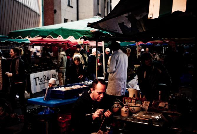 A market in Dublin © Luca/Flickr
