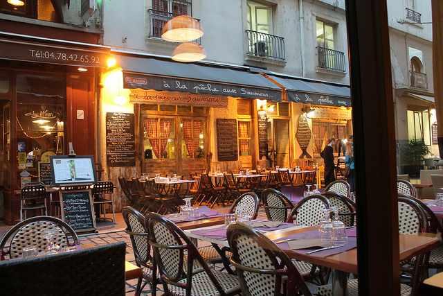 The 10 best restaurants in aix en provence france for Chaise de bar orange aixen provence