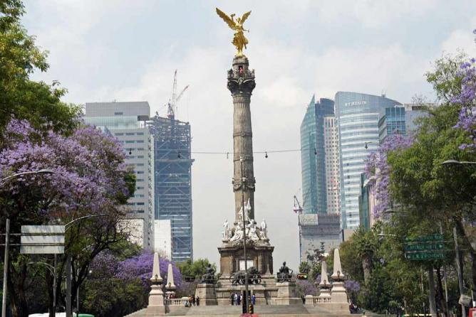The top 10 things to do and see in mexico city the monument of independence xa9 mariordowikicommons sciox Gallery