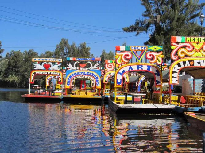 Xochimilco trajineras | © JorgeBRAZIL/WikiCommons