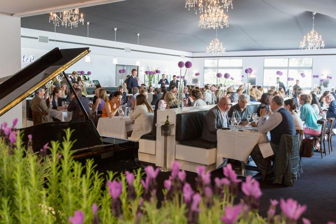 Guests Dining at Le Caprice © Caprice Holdings