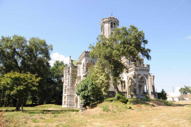 Castle of Dona Chica © José Goncalves/WikiCommons