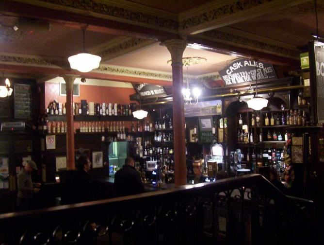 The Pot Still Pub Glasgow | © petestambo/Flickr