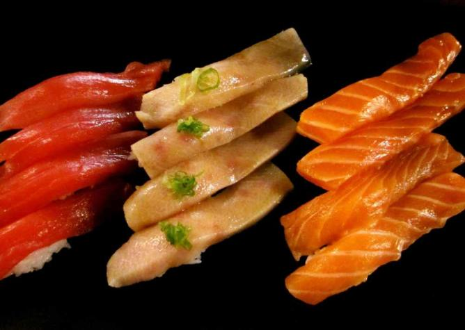 Japanese cookery prioritizes high quality ingredients | © samantha celera/Flickr