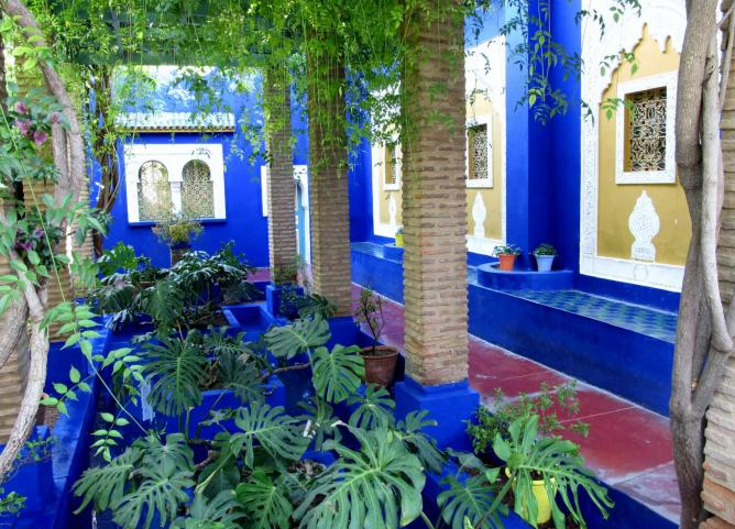 A walk-way in the Majorelle Gardens | © Tracy Hunter/ Flickr