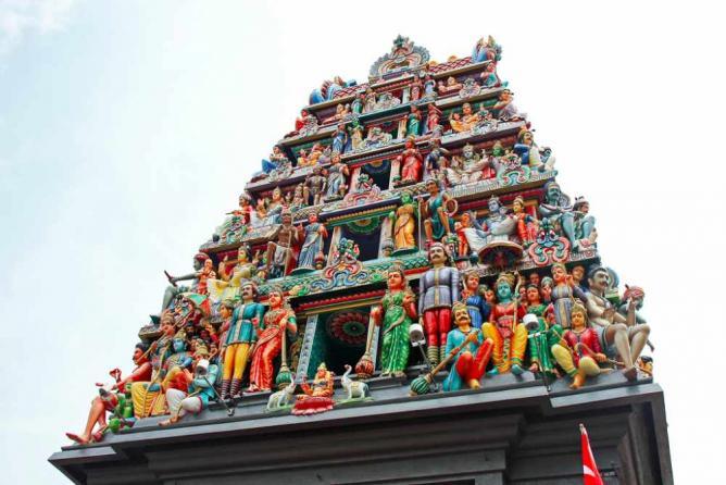 Sri Mariamman Temple gopuram | © Andrea Schaffer/Flickr