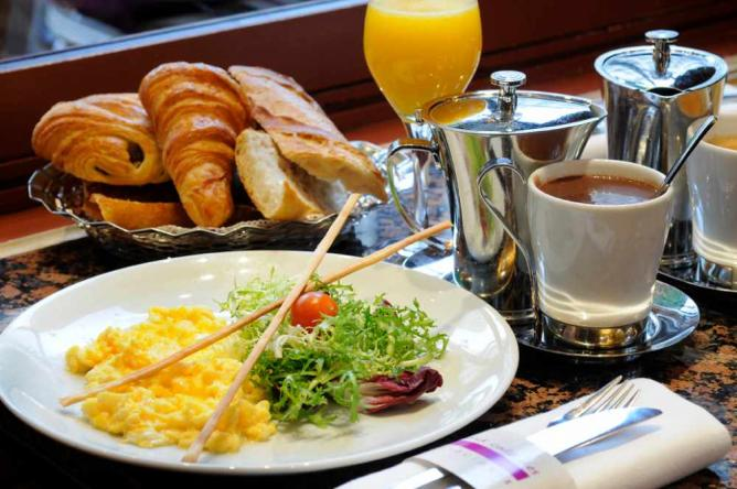 Breakfast | Courtesy of Le Grand Café des Négociants
