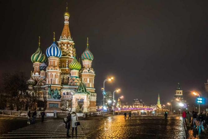 Red Sqaure and St Basil's Cathedral by night | © PowderPhotography/Flickr
