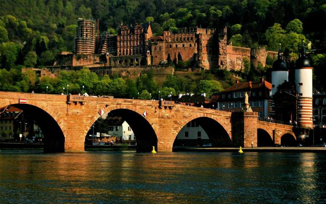 Heidelberg old bridge and castle | © Rane.abhijeet/WikiCommons