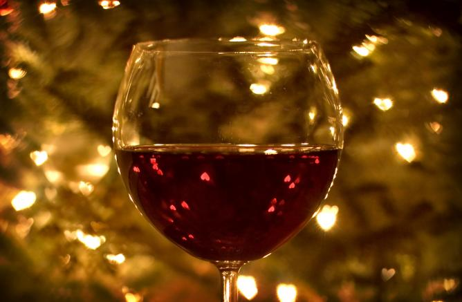 Glass of wine | © Heather Katsoulis/Flickr
