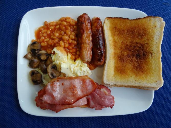 Traditional English breakfast | © Kosta/Flickr