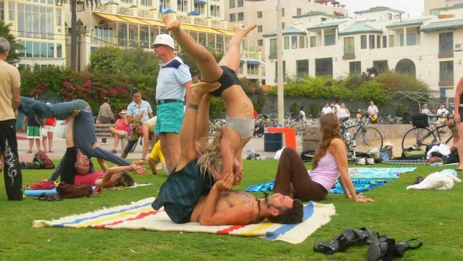 Acro Yoga Photo © Salamon888