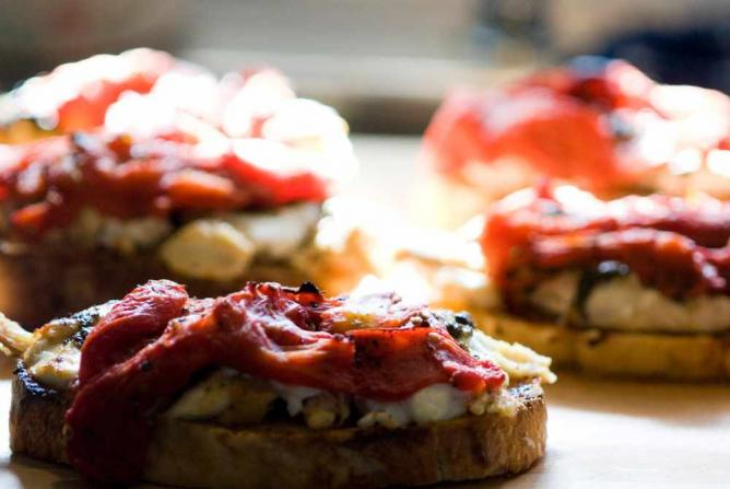 Chicken Pesto and San Marsano Tomato Sandwiches | ©  Don LaVange/Flickr