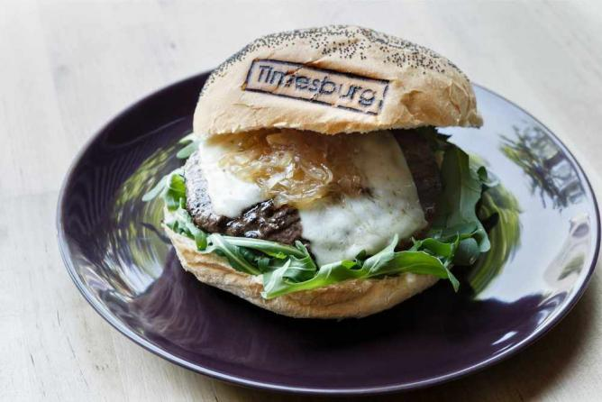 A personalized Timesburg burger | Image courtesy of Timesburg