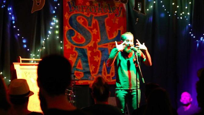 Performer at the Slam | © Lindsay Kincaid