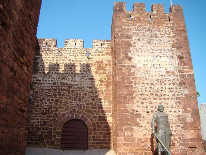 The Silves Castle gateway | © Lacobrigo/WikiCommons