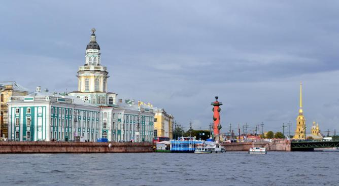 Vasilievsky Island, St Petersburg   © Larry Koester/Flickr