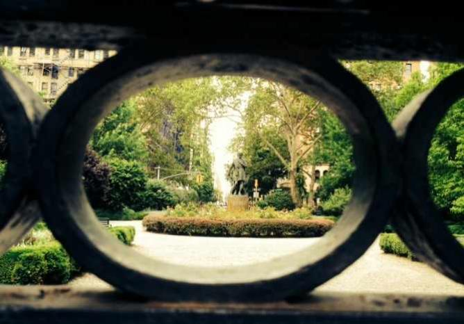 Gramercy Park / on the outside looking in | © Olivia Edwards