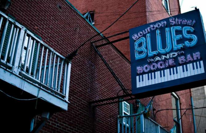 Bourbon Street Blues and Boogie Bar | © daveoratox/Flickr