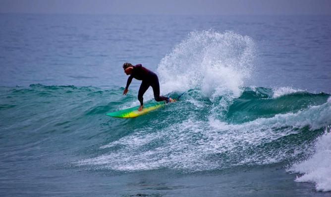 Surfing USLA Best Surf Lessons for Locals