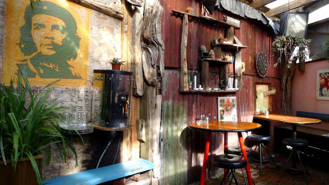 Fidel's Café © Ewan Munro/Flickr