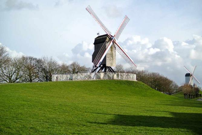 Windmill | © Elizabeth/Flickr