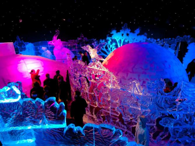 Ice Sculpture Festival | © William Warby/Flickr