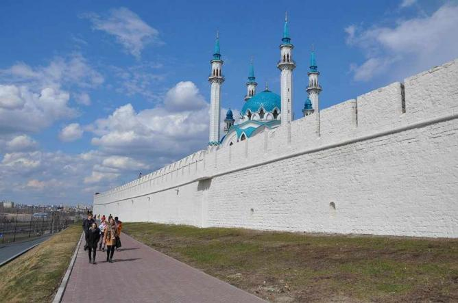 The outside of Kazan's Kremlin walls | Courtesy of Nathaniel Hunt