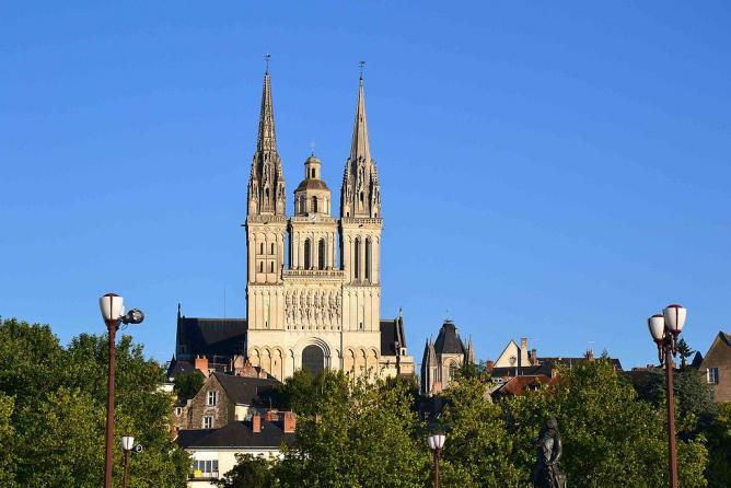 Cathédrale Saint-Maurice   © Paolo Carnassale/WikiCommons