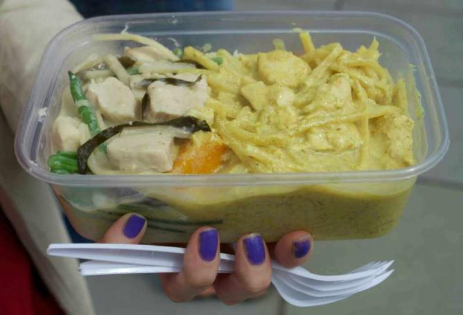 A heavenly Thai yellow curry & Thai green curry from Niangs Thai Snacks | Courtesy of Stefan Hunt