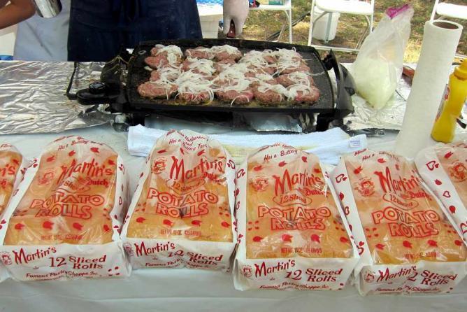 NYC - Serious Eats Sandwich Festival: Kenji's Famous Sliders | © wallyg/Flickr