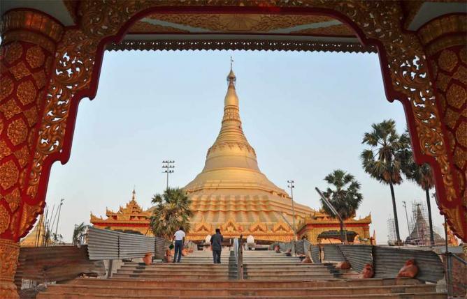 Global Vipassana Pagoda.   © I for Detail. /Flickr