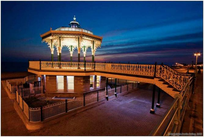 Bandstand by night   © Martin /Flickr