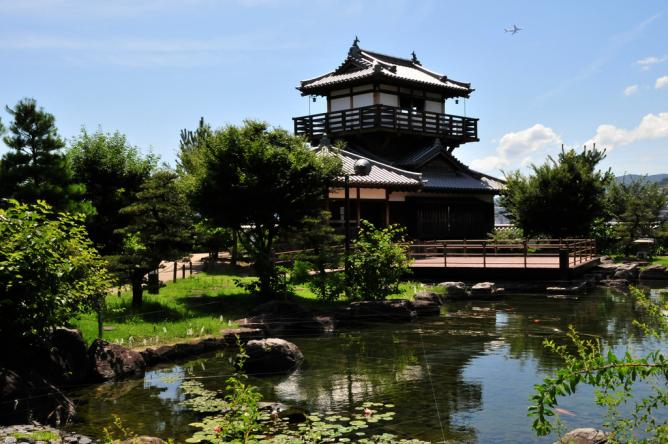 Ikeda Castle | © m-louis .®/Flickr