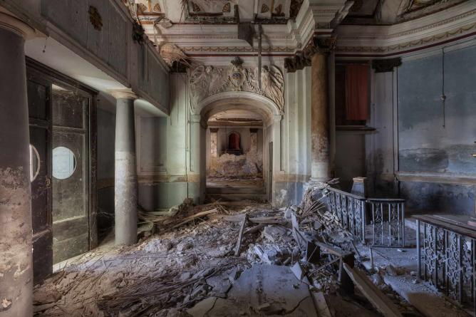 Martino Zegwaard S Photography The Beauty Of Decay