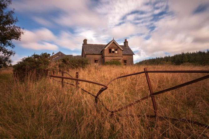An Abandoned Farm, Scotland| © Martino Zegwaard