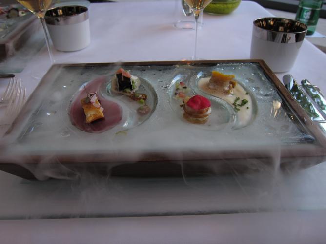 Desserts at Silvio Nickol © Charles Hates/Flickr