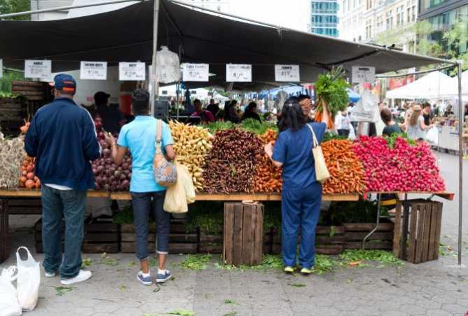 Union Square Greenmarket | © Phil Roeder/Flickr