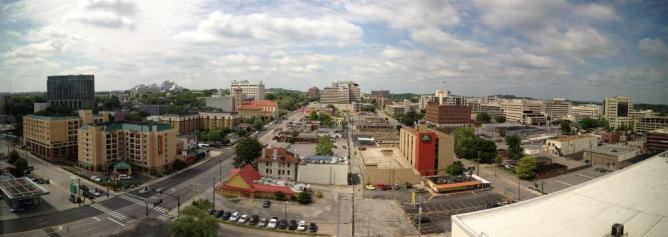 Nashville from the Hutton Hotel   © wcm1111/Flickr